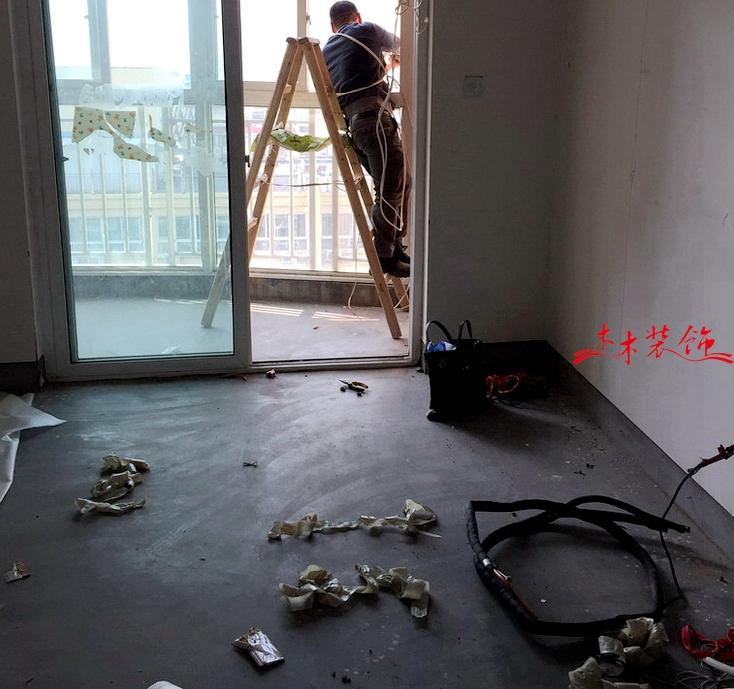 成都木木装修队开工进场 装修现场