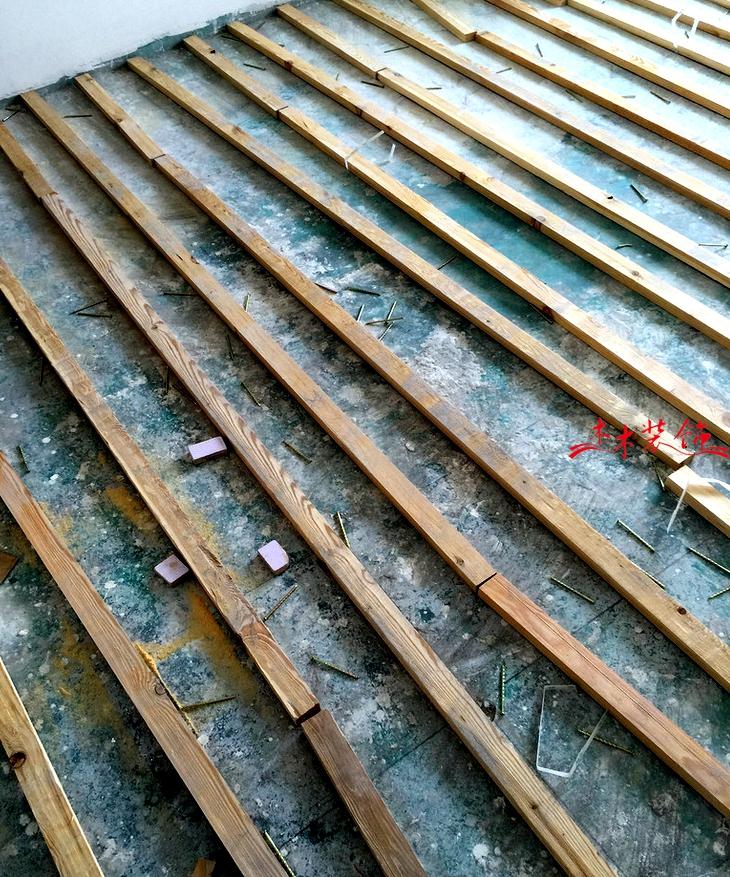 成都木木装修队木地板安装现场