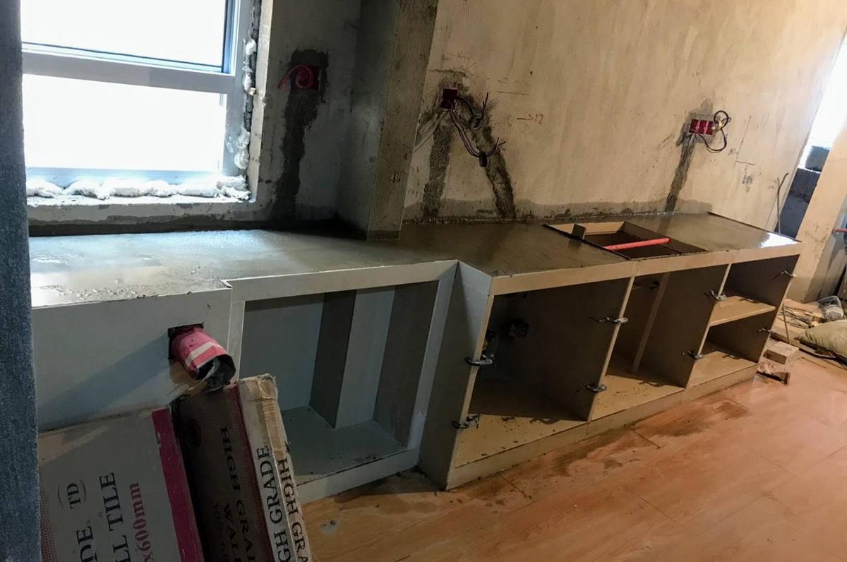 成都木木装修队钢筋混泥土 瓷砖夹橱柜 随便砍排骨  装修知识