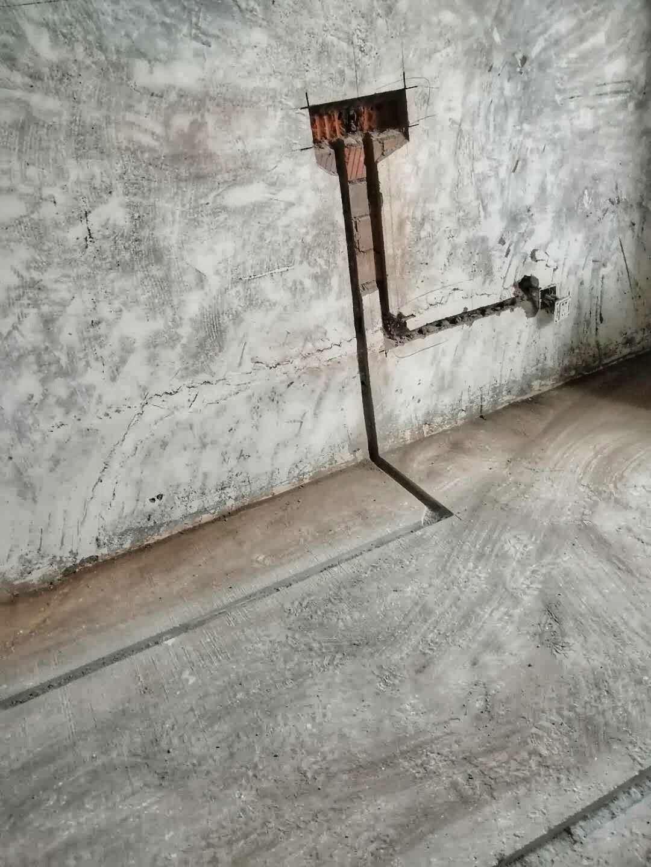成都水云花都水电改造施工现场