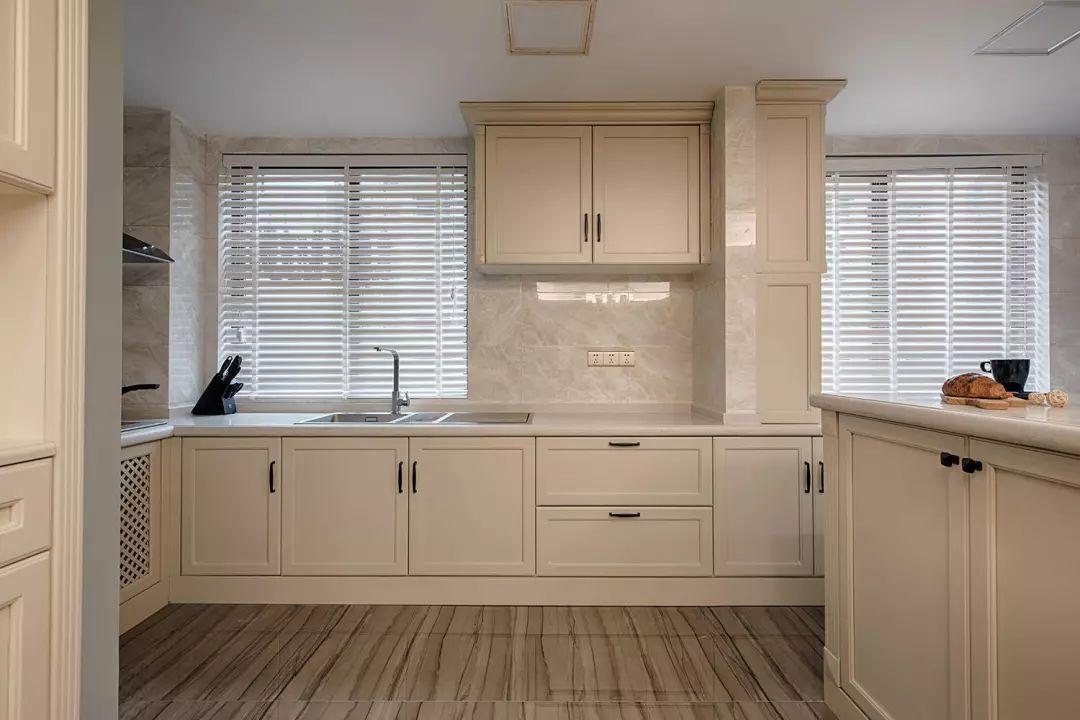 瓷砖橱柜石材橱柜定制橱柜 装修现场